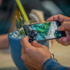 عدسات 3 في 1 مع حامل وقلادة لهاتف iPhone 8-7/8-7 Plus -  OLLOCLIP
